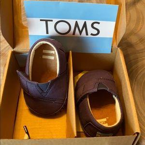 Worn once! Toms navy canvas baby crib alpargata